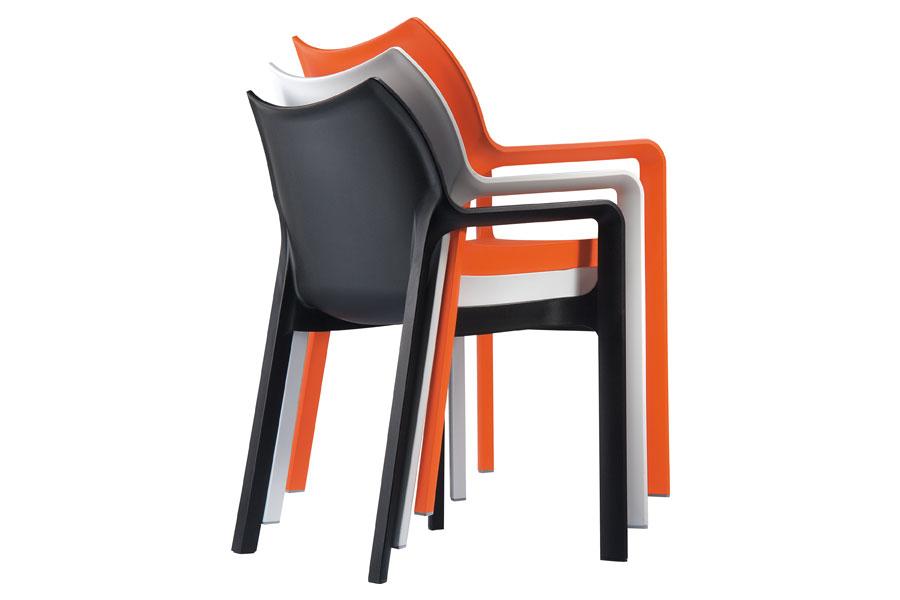 Outdoor cafe chairs - Stapelbare Stoel A Volledig Uit Kunststof Vervaardige Stoel